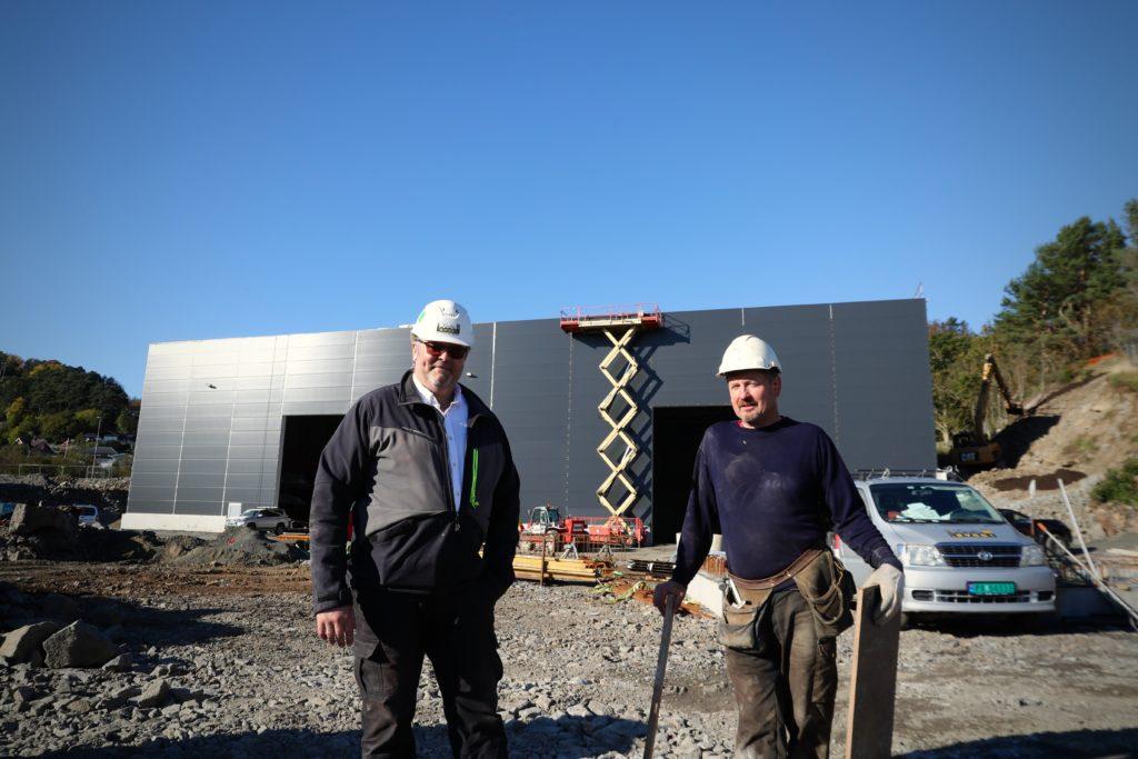 Jan Richard Johannessen sammen med Jan Tore Kolnes, som har jobbet på Marin Elektro-prosjektet siden starten.
