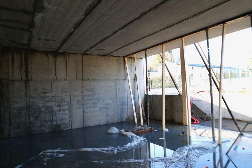 Musikkrommet har betong i vegger iog tak - slik at elevene som ikke har musikk skal bli forstyrret.