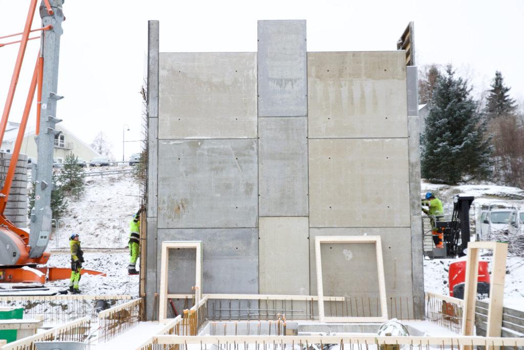 De to første etasjene av trappesjakten er klare. Ytterligere to etasjer skal bygges.